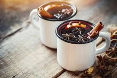 Making your own Christmas Wassail is a guaranteed way to make your home feel like the holidays! Try this Christmas Wassail Recipe today. Spiced Wine, Chocolate Caliente, Hot Chocolate, German Chocolate, Cream Pie, Sour Cream, Ponche Navideno, Chocolate San Valentin, Alcoholic Drink Recipes