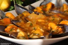 Chefs, Marinara Sauce, Mussels, Tapas, Thai Red Curry, Pork, Ethnic Recipes, Sweet, Gastronomia