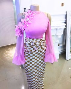 🌸 not your regular blouse and wrapper. Myanmar Traditional Dress, Traditional Dresses, African Print Fashion, African Fashion Dresses, African American Fashion, Myanmar Dress Design, Africa Dress, African Lace, African Attire