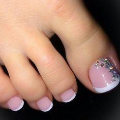 feet French Pedicure Designs Zehennägel Natural 25 Super Ideas Shine Is The Key To Healthy-Looking H Cute Toe Nails, Fancy Nails, Toe Nail Art, Pretty Nails, Gel Nail, Gel Toe Nails, Acrylic Nails, Pretty Pedicures, Nail Glue