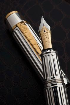 Onoto aviator fountain pen nib.  http://fpgeeks.com/2012/05/the-onoto-aviator-a-fountain-pen-for-every-aircraft-enthusiast/#