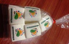 pacchetti da 15 di marshmallows con logo