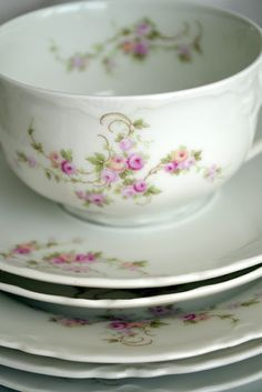 Oh my word. This is a china pattern of pink peonies. I might die right now.