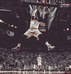 Thanks for the memories 🏀👑💯 Basketball Motivation, Basketball Is Life, Basketball Pictures, Basketball Players, Michael Jordan, Mike Jordan, King Lebron James, King James, Slam Dunk
