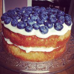 Blueberry and lemon cake Birthday Cakes, Buns, Blueberry, Pancakes, Lemon, Breakfast, Desserts, Food, Morning Coffee