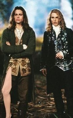 Brad Pitt (Louis de Pointe du Lac) & Tom Cruise (Lestat de Lioncourt) in Interview With The Vampire. My favorite vampires ever. Tom Cruise, Vampire Photo, Vampire Love, Brad Pitt Vampire, Vampire Books, Movies Showing, Movies And Tv Shows, Lestat And Louis, Queen Of The Damned