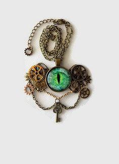 collier steampunk oeil vert sur chaîne maillons métal bronze : Collier par…