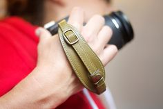 The Handy Dandy hand strap—you know your camera-toting hands deserve some lovin'. #ilovephotojojo