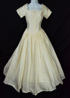 vintage laura ashley silk wedding dress ballgown corset Laura Ashley Clothing, Laura Ashley Fashion, Ashley Clothes, Vintage Style Wedding Dresses, Vintage Dresses, Vintage Outfits, Vintage Fashion, Vintage Clothing, Wedding Gowns