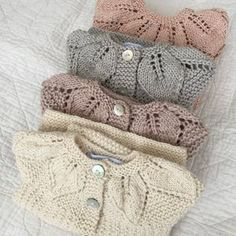 image Baby Sweater Knitting Pattern, Baby Knitting Patterns, Hand Knitting, Toddler Cardigan, Girls Knitted Dress, Baby Girl Sweaters, Baby Pullover, Crochet Baby Clothes, Toddler Girl