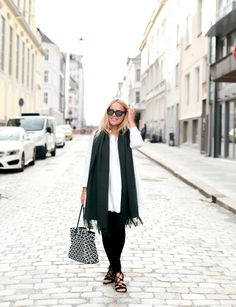 Scarf: Arnie Says / Shirt: Zara / Jeans: Topshop / Bag: By Malene Birger / Sandals: Bianco Good morning lovies! Finally a new outfit post on the blog, even though these were snapped in like one min...