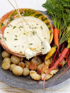 Cooking Channel serves up this Easy Cheese Fondue recipe from Jamie Oliver plus… Cheese Recipes, Appetizer Recipes, Yummy Appetizers, Easy Cheese, Dips, Main Meals, Stuffed Peppers, Fondue Cheese, Fondue Party
