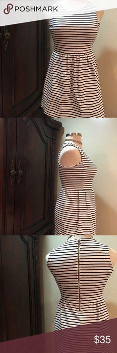 JCrew Striped Tuxedo Shift Dress Medium Stripe JCrew Striped Tuxedo Shift Dress Size Medium Black White Stripes Cotton $98 J.crew J. Crew J. Crew Dresses Midi