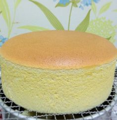 Cheese Sponge Cake Ingredients: 6 egg yolks butter sugar milk cream cheese Cake flour Corn flour 6 egg whites sugar tsp cream of tartar Utensil: round, bo… Sponge Cake Easy, Sponge Cake Roll, Vanilla Sponge Cake, Chocolate Sponge Cake, Sponge Cake Recipes, Easy Cake Recipes, Dessert Recipes, Chocolate Art, Vanilla Cake