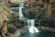 Mitchell Falls – Located in the Kimberley region of Western Australia. The collective height is approximately making it the tallest waterfall in the sta Australia Living, Western Australia, Mitchell Falls, Places To Visit, Waterfalls, Vacation, World, Outdoor, Beautiful