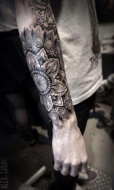mandala tattoo männer unterarm motive dotwork - Styl About Everything Tattoos Arm Mann, Arm Tattoos For Guys, Trendy Tattoos, Forearm Tattoos, Body Art Tattoos, New Tattoos, Tribal Tattoos, Sleeve Tattoos, Cool Tattoos