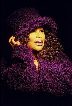R&B singer Chaka Khan working this purple! Beautiful Black Women, Beautiful People, Amazing People, Jazz, Hip Hop, Chaka Khan, Coloured People, Vintage Black Glamour, Tupac Shakur