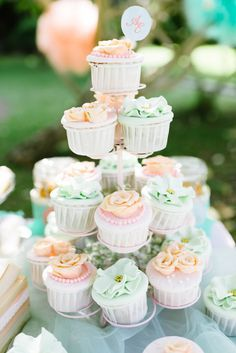 mint and coral TABLE CAKE - Google Search