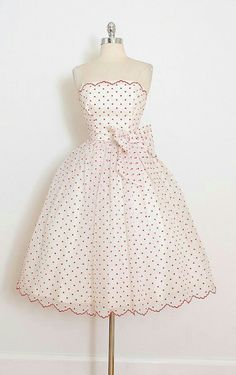 Vintage dress * white chiffon * tulle & acetate lining * flocked red polka dot print * bow accent * bodice stays * metal back zipper condition Retro Mode, Mode Vintage, Vintage Style, Vintage 1950s Dresses, Vintage Outfits, Vintage Clothing, 1950s Fashion, Vintage Fashion, Club Fashion