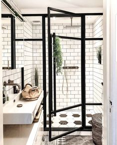 123 Interesting And Detailed Tiny House Bathroom Shower Design Ideas Style At Home, Bathroom Interior Design, Decor Interior Design, Interior Colors, Interior Livingroom, Interior Plants, Interior Ideas, Interior Inspiration, Design Apartment