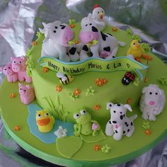 Happy barnyard cake with fondant animals