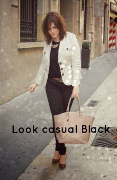 Look casual black. It's a perfect look for a walk or when you spend a great time with your friends :)