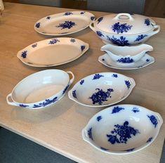 Vintage servise Villeroy & Boch Mettlach | FINN.no Bude, Fine Porcelain, Tableware, Vintage, Dinnerware, Tablewares, Vintage Comics, Dishes, Place Settings