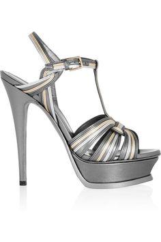 15 zapatos de vértigo que dominan la temporada: Saint Laurent  http://www.glamour.mx/moda/shopping/articulos/zapatos-de-tacon-alto-tendencias-moda/1459