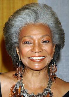 Love the gray and shades of brown jewelry together Nichelle Nichols - Television Nichelle Nichols, Silver Grey Hair, Gray Hair, Ageless Beauty, Fashion Mode, Aging Gracefully, Black Women Hairstyles, Beautiful Black Women, Natural Hair Styles