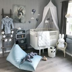 Best Nursery Ideas for Boys and Girls - mybabydoo Designing a nursery room for your baby must be really exciting yet tricky. Looking at these best nursery ideas we have might be helpful for you. Baby Bedroom, Baby Boy Rooms, Baby Room Decor, Baby Boy Nurseries, Nursery Room, Kids Bedroom, Baby Room Ideas For Boys, Creative Kids Rooms, Baby Room Design