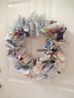 SimpleJoys: Magazine Wreath