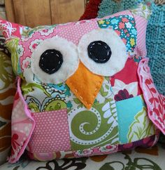 Baby Owl Pillow...made from scraps!  This is so cute!  Maybe some Christmas gifts!