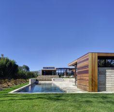 Bates Masi Architects have designed Sam's Creek, located in Bridgehampton, New York