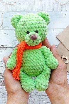 FREE crochet bear pattern - Amigurumi free pattern - Leads For Amigurumi Teddy Bear Patterns Free, Crochet Amigurumi Free Patterns, Crochet Animal Patterns, Stuffed Animal Patterns, Free Crochet, Crochet Teddy Bear Pattern Free, Doll Patterns, Crochet Baby Toys, Crochet Dolls
