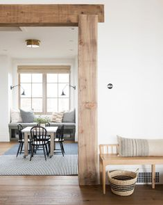 Begin using these interior decor tips to perk up your home and give it new life. Home redecorating is entertaining and will change your house into a home when you learn how to get it done. Decoration Hall, Decoration Design, Modern Farmhouse Kitchens, Modern Farmhouse Decor, Modern Cabin Interior, Modern Cottage Decor, Swedish Farmhouse, Rustic Farmhouse, Cabin Interior Design