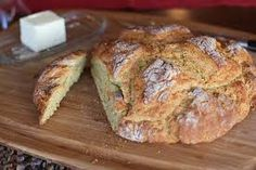 Gluten-free cheese and herb Irish Soda Bread – a super quick and easy rustic bread perfect for any time of year. Truth: the first time I baked bread, it was without a spec of yeast. Herb Recipes, Irish Recipes, Bread Recipes, Cooking Recipes, Soup Recipes, Foods With Gluten, Sans Gluten, Irish Soda Bread Recipe, Rustic Bread