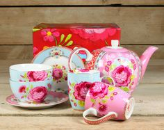 Thee Servies Big Flower Pink/blue Pip Studio, Studio Green, Fancy Tea Cups, China Tea Cups, Coffee Set, Big Flowers, Home Living, Vintage Tea, High Tea