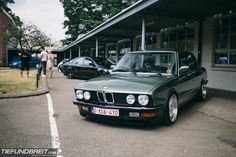 E28 Bmw, E30, Old School Cars, Bmw 2002, Bmw Classic, Bmw 5 Series, Bmw Cars, Cars And Motorcycles, Transportation