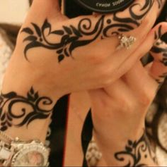 More tattoo-looking henna
