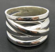 Hey, ho trovato questa fantastica inserzione di Etsy su https://www.etsy.com/it/listing/112488053/r001028-stylish-plain-sterling-silver