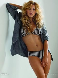 don't usually fancy blondes, but Katheryn Winnick is a smokin' hot exception.