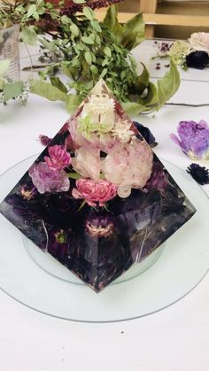 resin art This ombr flower pyramid is simply stunning! Have you ever dreamed of creating something like this for yourself Learn how by enrolling in Forever Flora Diy Resin Art, Epoxy Resin Art, Diy Resin Crafts, Crafts To Make, Stick Crafts, Resin Molds, Silicone Molds, Resin Flowers, Dried Flowers