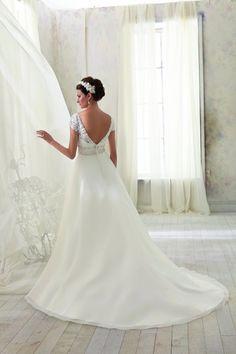 3 Wedding Prep, Wedding Dresses, Fashion, Bride Dresses, Moda, Wedding Gowns, Wedding Dress, Fasion, Bridal Gowns