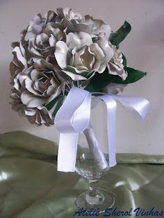 Buques de flores de garrafa pet   Bouquets of flowers pet bottle