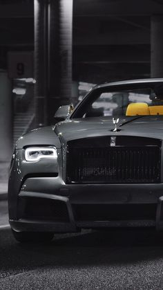 Rolls Royce Wraith, Rolls Royce Cars, Voiture Rolls Royce, Rolls Royce Wallpaper, Rolls Royce Black, Sports Car Wallpaper, Bmw Wallpapers, Top Luxury Cars, Lamborghini Cars