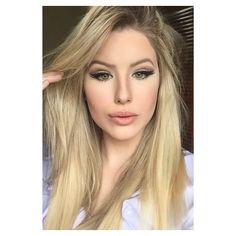 Instagram media teteclementinomakeup - Mesma make que a da foto anterior, só que agora com batom clarinho! E ai, qual a sua preferida? ☺️ (Batom: Honey Love, Mac)