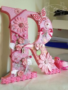 """By Karlee Nicole: Altered Wood Letter: """"R"""" - Wood Letters Fancy Letters, Floral Letters, Letter A Crafts, Wood Letters, Letter Art, Monogram Letters, Letters And Numbers, Diy Arts And Crafts, Crafts For Kids"""