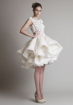 20 Utterly Romantic Ruffled Wedding Dresses You Will Love!