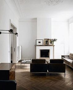 Parisian interiors with high ceilings and timber floors ⚡️#interior #inspo