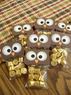 Cute halloween party favor / trick-or-treat candy owl bags for mini Reese's cups!
